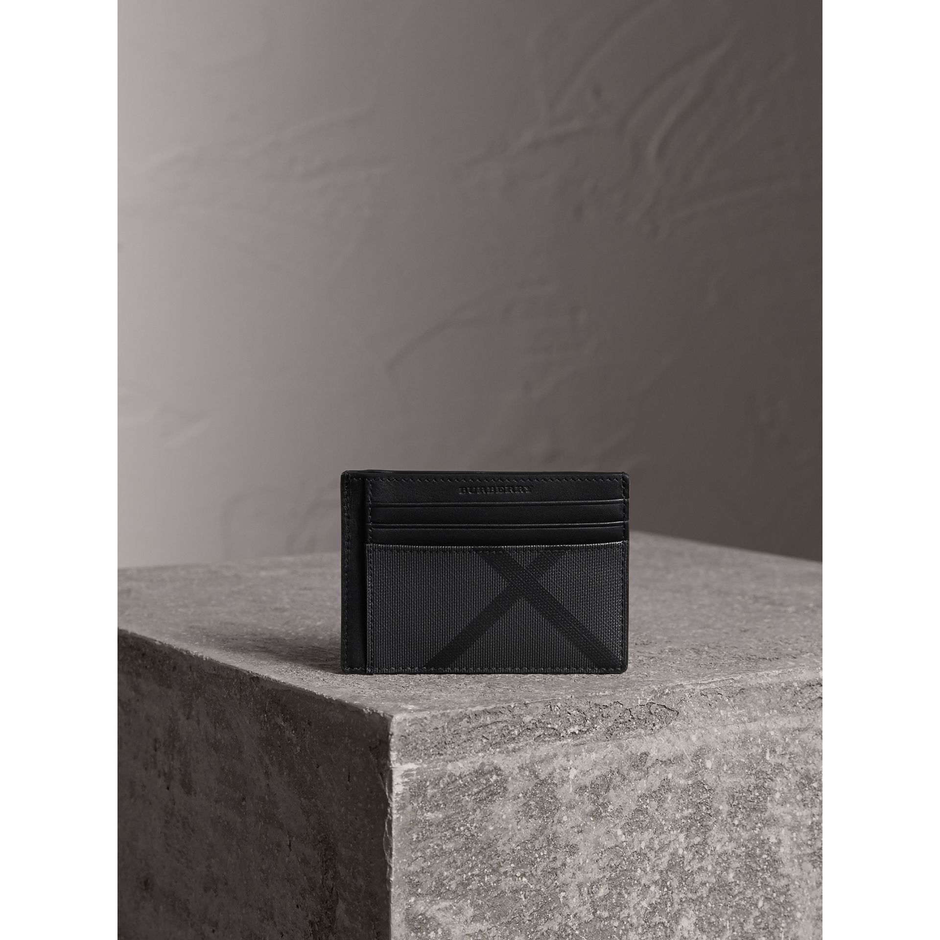 London Check Money Clip Card Case in Charcoal/black - Men | Burberry - gallery image 4