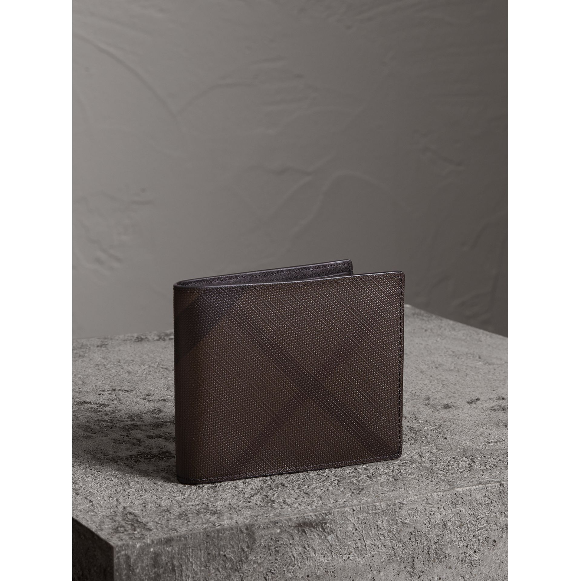London Check International Bifold Wallet in Chocolate/black - Men | Burberry - gallery image 0