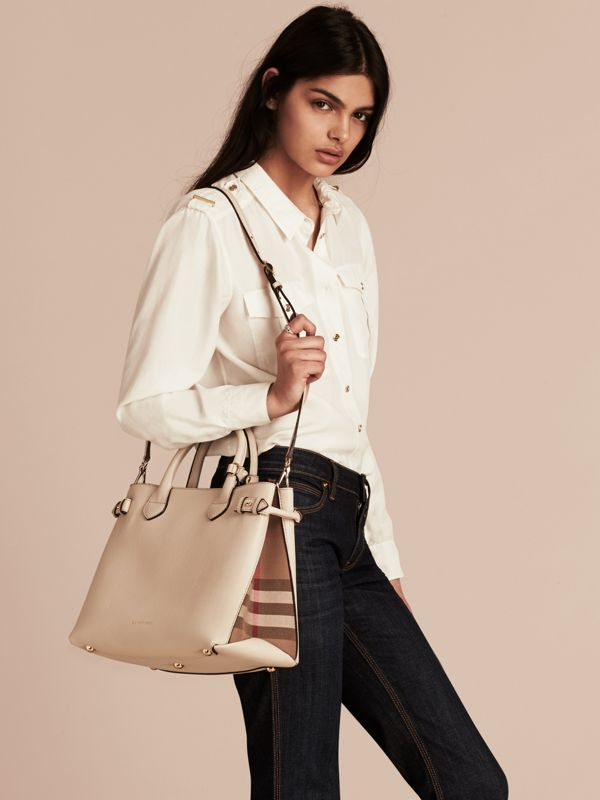 The Medium Banner in Leather and House Check in Limestone - Women | Burberry United Kingdom - cell image 2