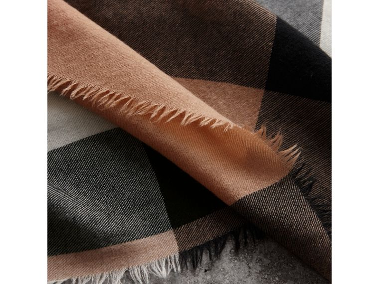 Lightweight Check Cashmere Scarf in Camel | Burberry - cell image 1