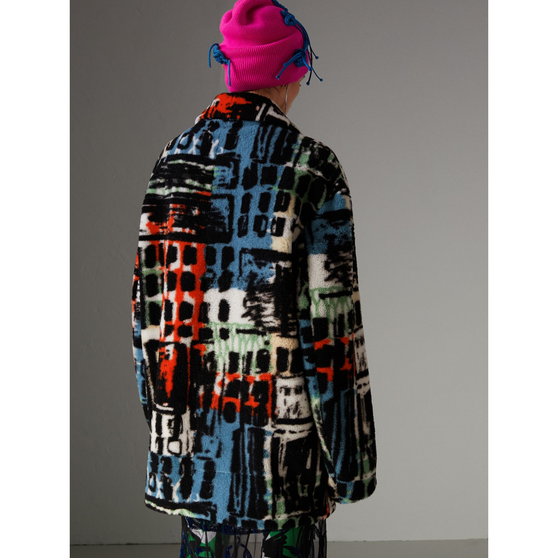 Graffiti Print Shearling Oversized Jacket in Steel Blue - Women | Burberry Hong Kong - gallery image 2