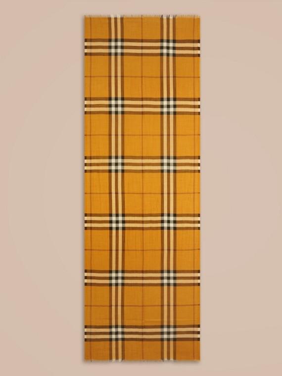Giallo ambra Sciarpa leggera in lana e seta con motivo check Giallo Ambra - cell image 3