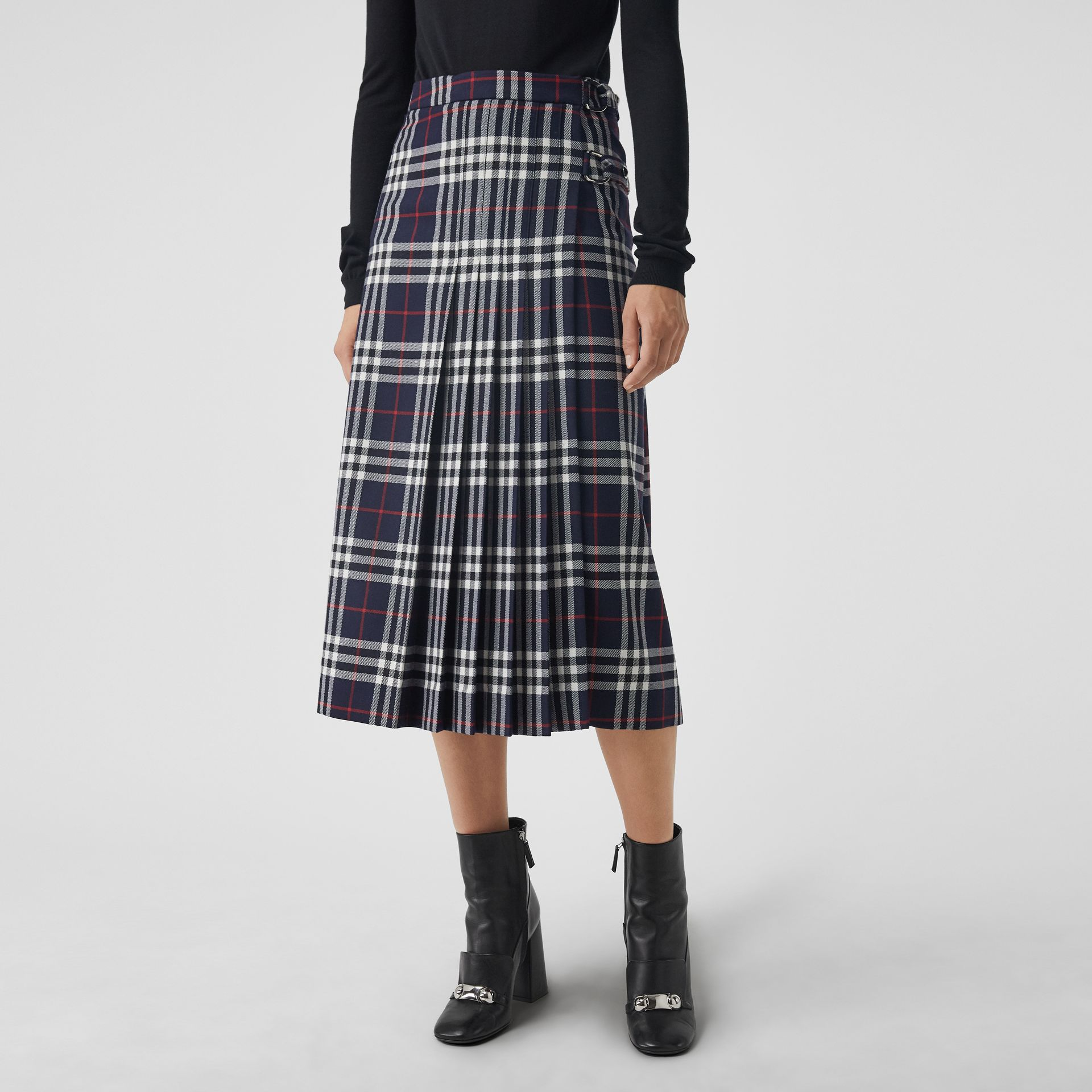 Tartan Wool Kilt in Navy - Women | Burberry - gallery image 4