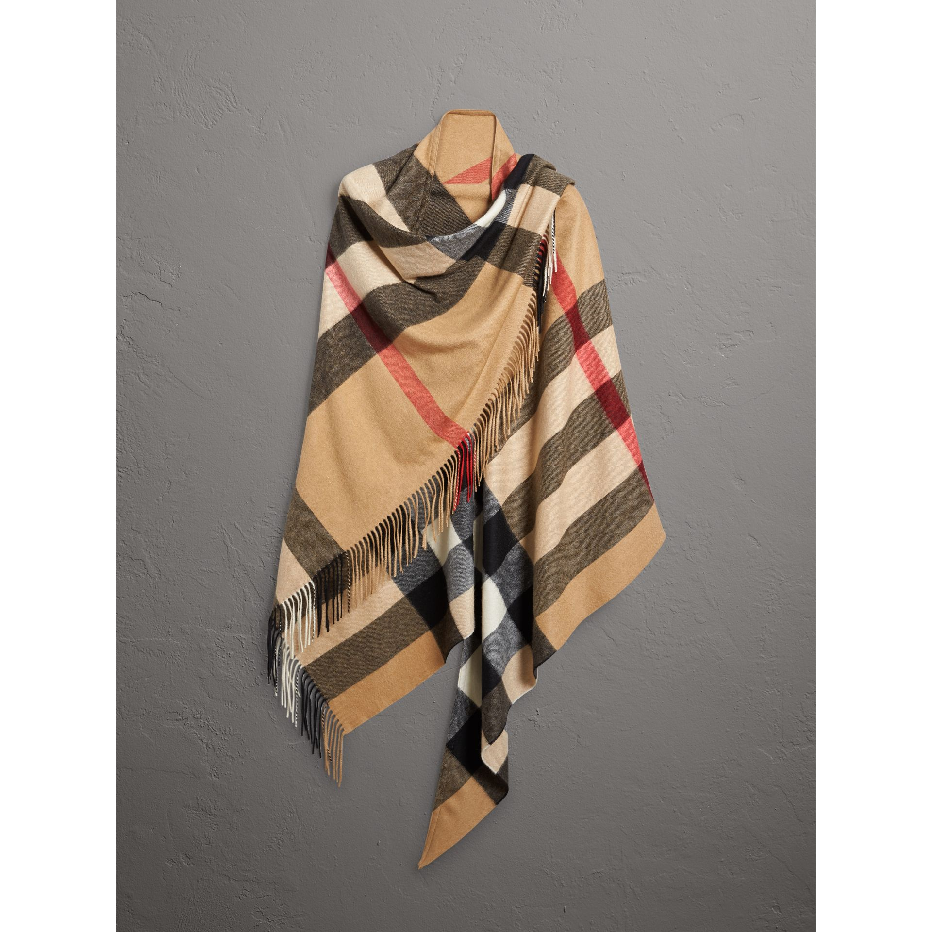 Check Cashmere Wrap in Camel | Burberry - gallery image 4