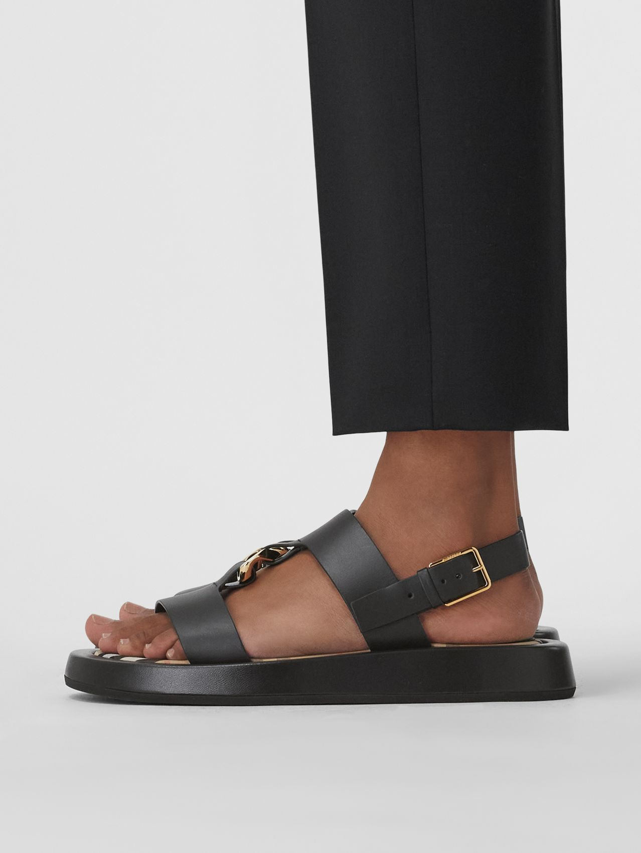 Chain-link Detail Leather Sandals in Black/archive Beige