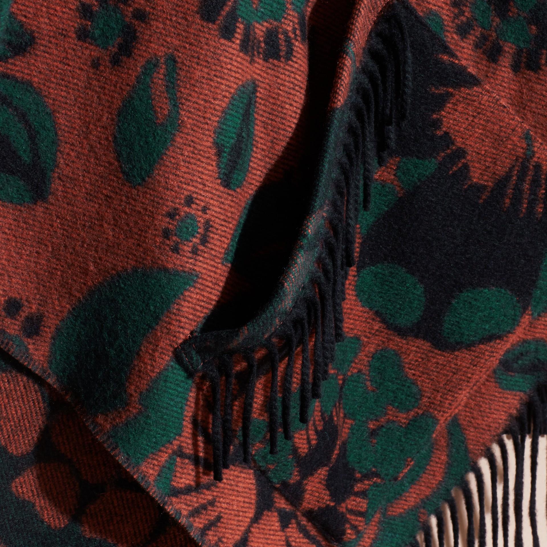 Terre de sienne brûlée Poncho en cachemire à motif floral tissé en jacquard - photo de la galerie 2