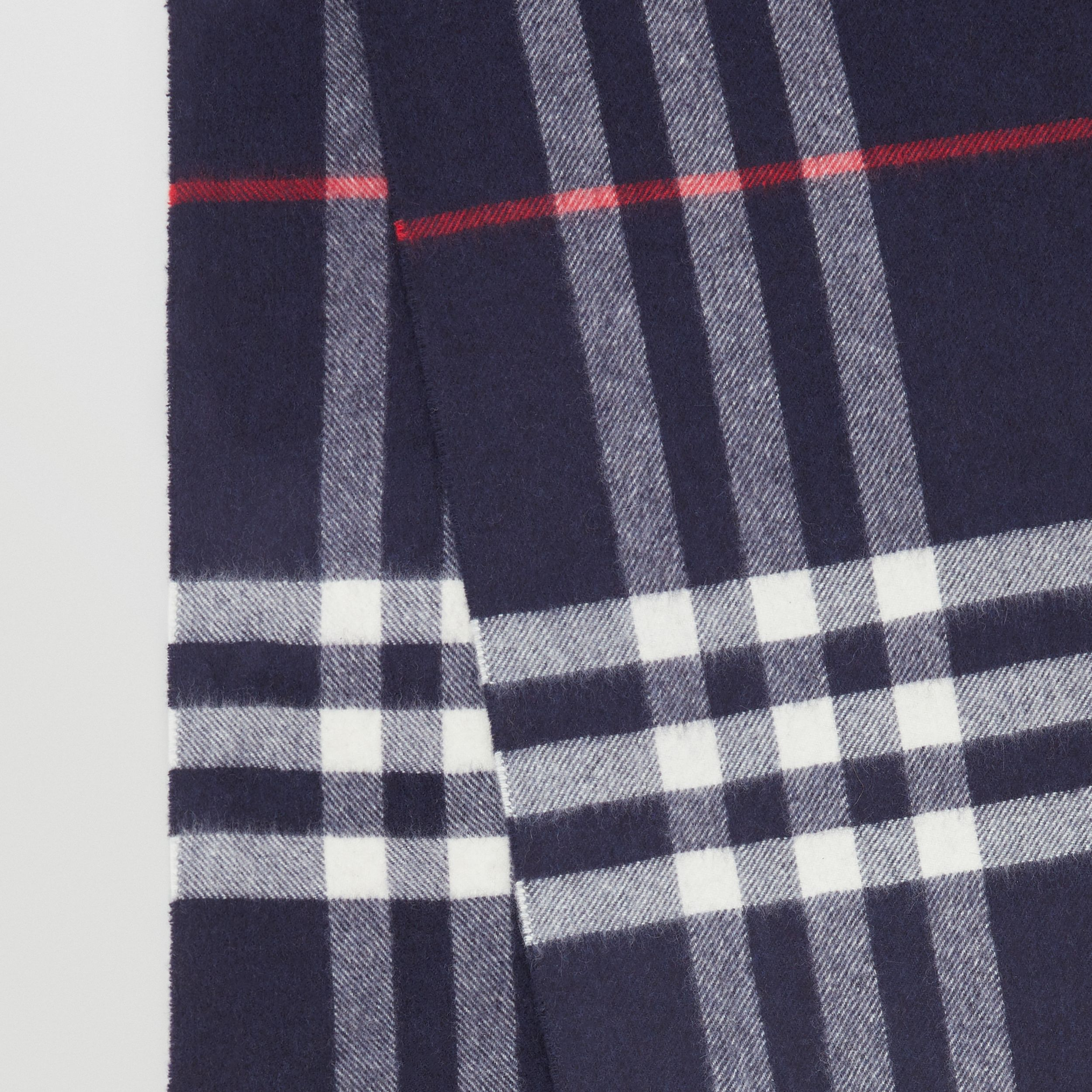 The Classic Check Cashmere Scarf in Navy | Burberry United Kingdom - 2