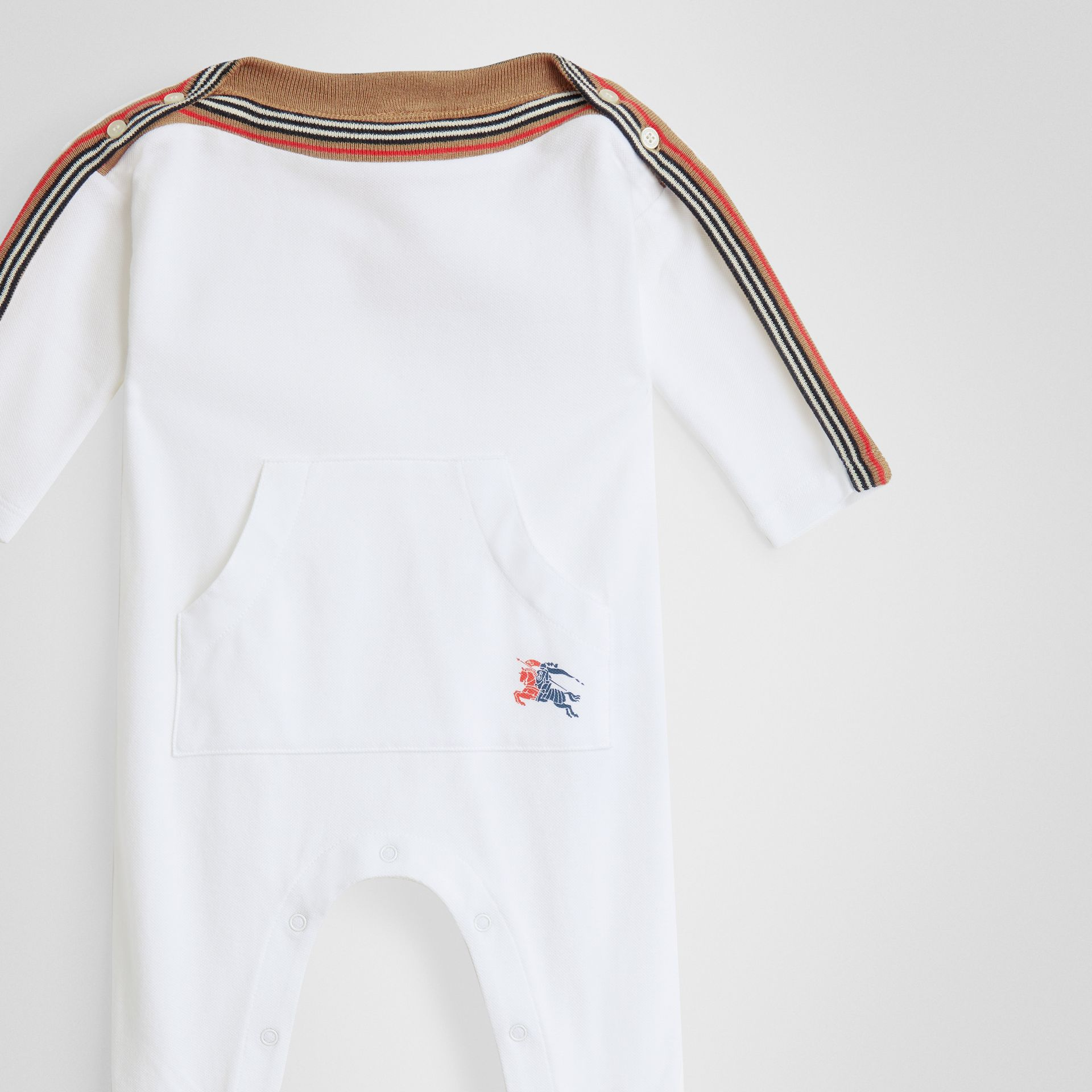 Icon Stripe Cotton Piqué Two-piece Baby Gift Set in White - Children | Burberry - gallery image 4