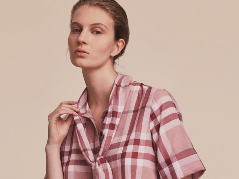 Short-sleeve Check Cotton Tie Neck Shirt Antique Pink - cell image 4