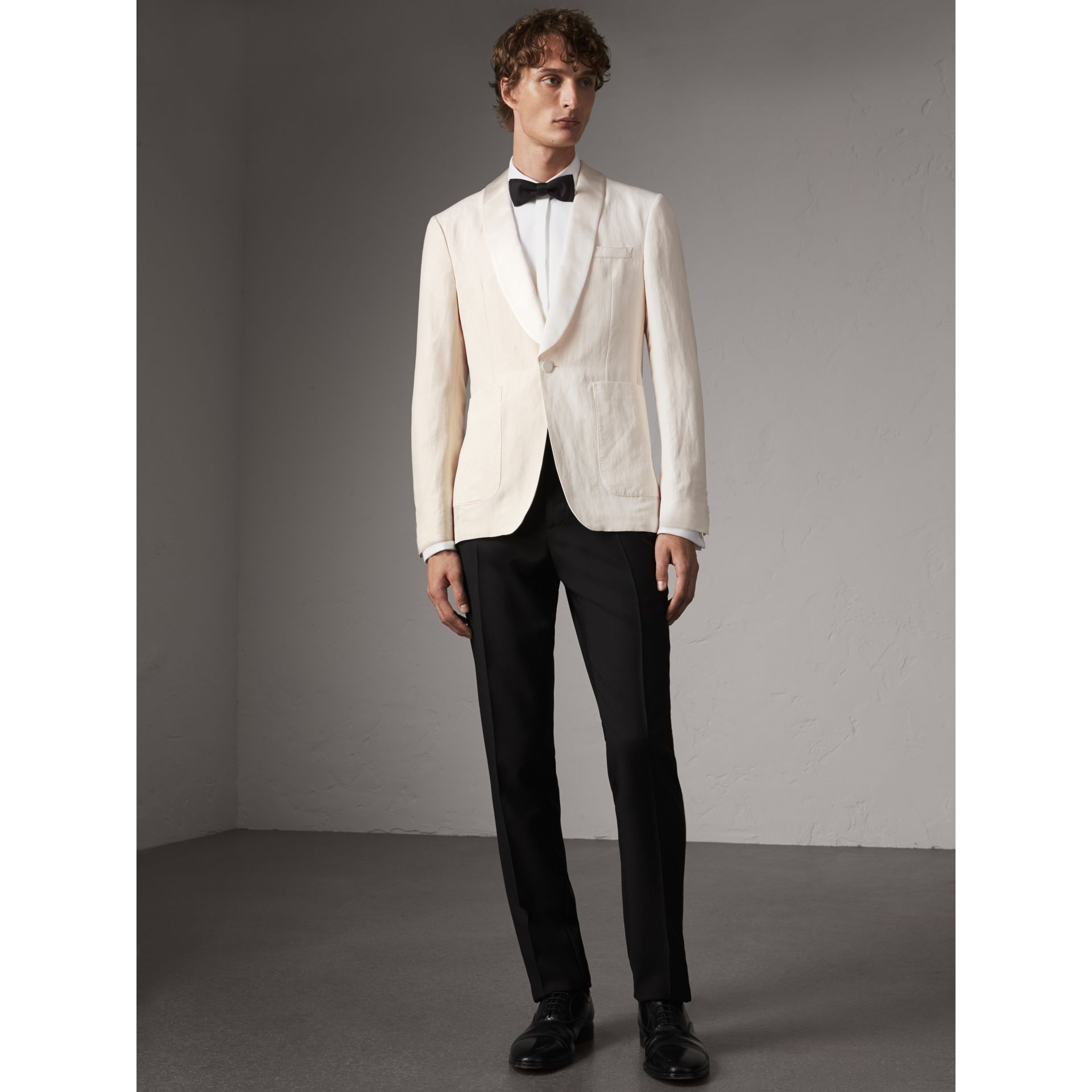Modern Fit Shawl Lapel Linen Silk Evening Jacket in Off White - Men | Burberry United Kingdom - gallery image 5