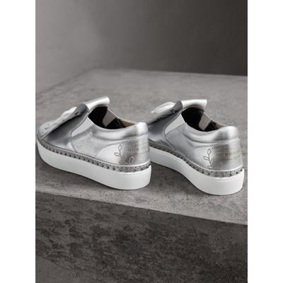Burberry - Sneakers en cuir métallisé à franges - 4