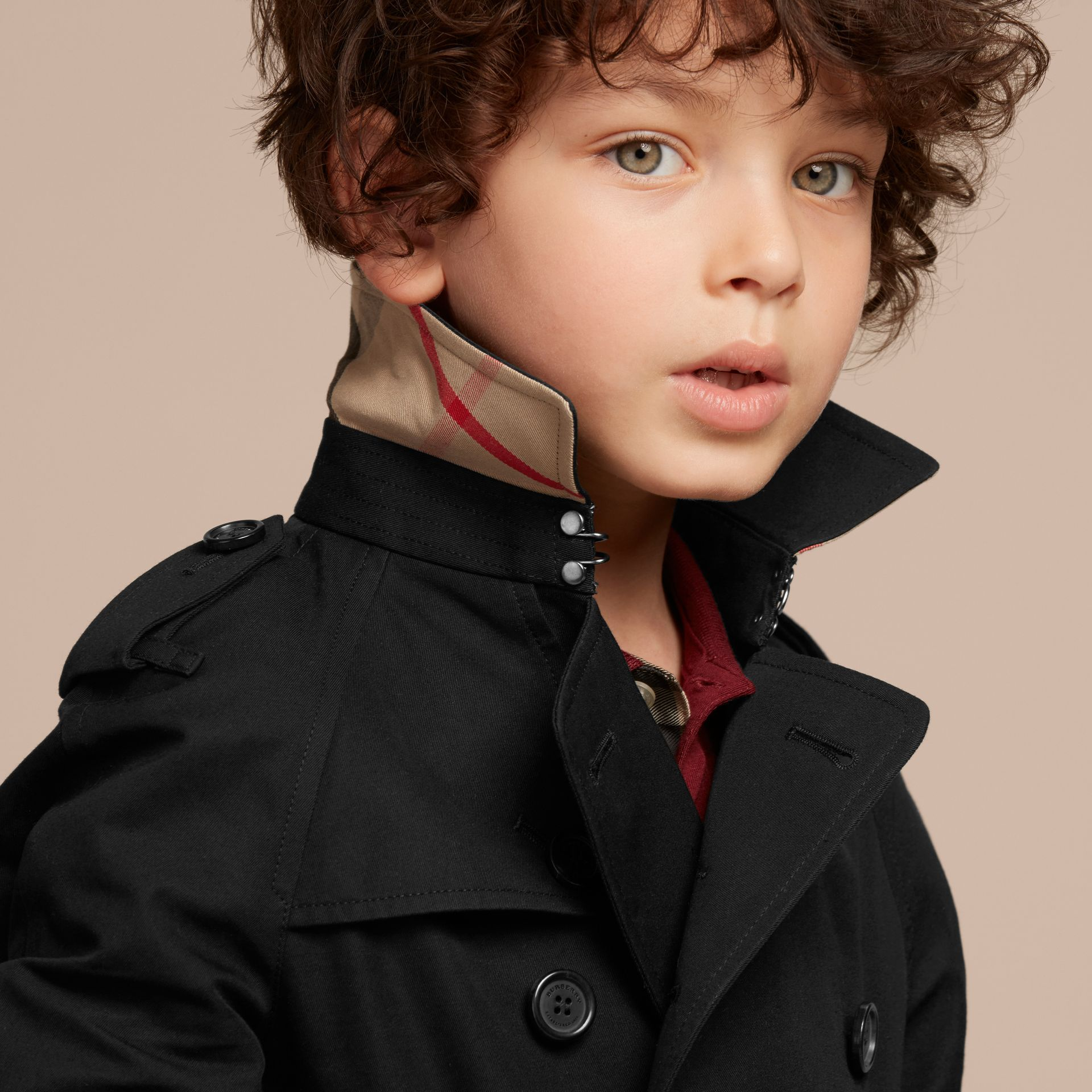 The Wiltshire – Heritage Trench Coat in Black - Boy | Burberry - gallery image 6