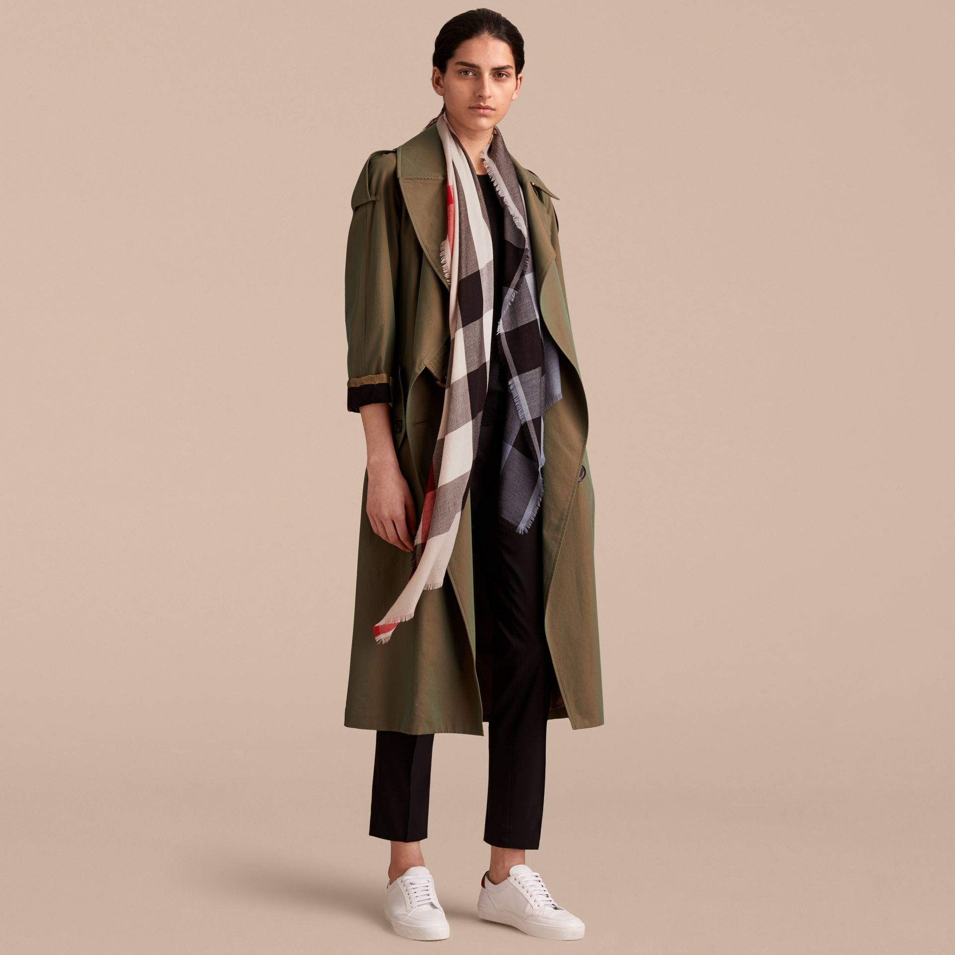 The Lightweight Cashmere Scarf in Ombré Check Pale Bluebell - gallery image 3