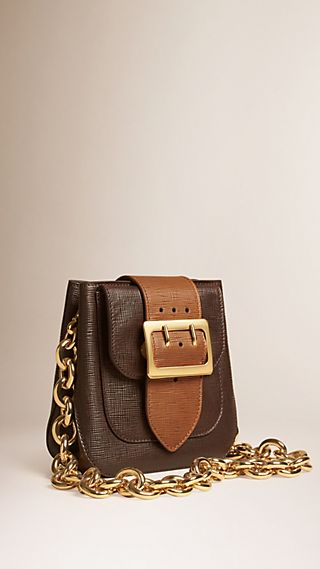 Borsa The Buckle quadrata in pelle effetto texture