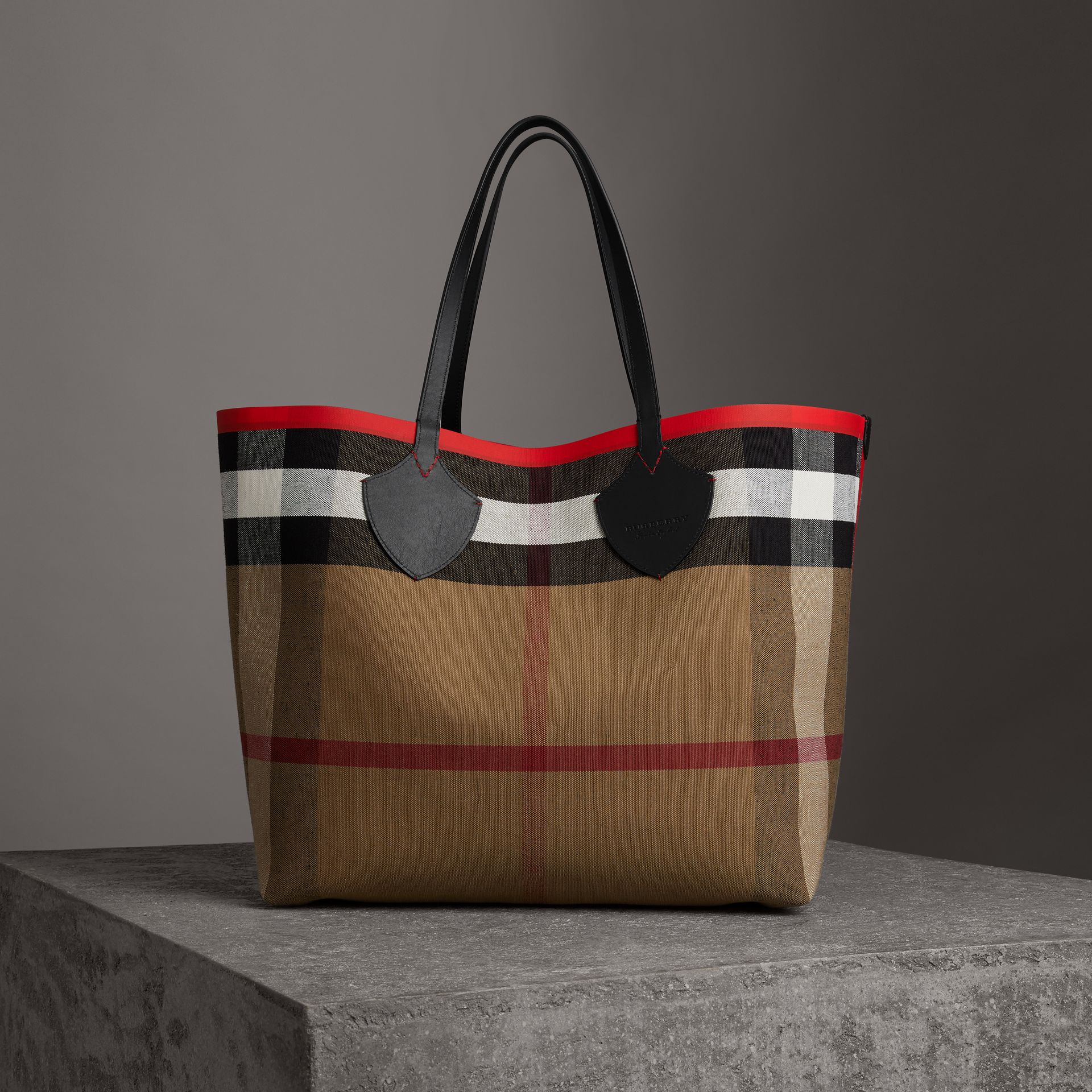 The Giant Reversible Tote in Canvas Check and Leather in Military Red/classic | Burberry Australia - gallery image 0