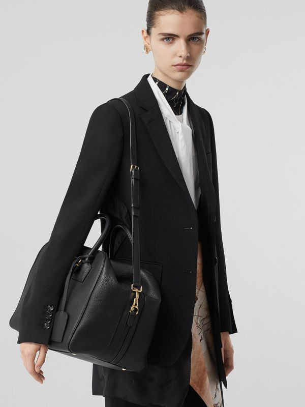 Medium Leather Cube Bag in Black - Women | Burberry Hong Kong S.A.R - cell image 2