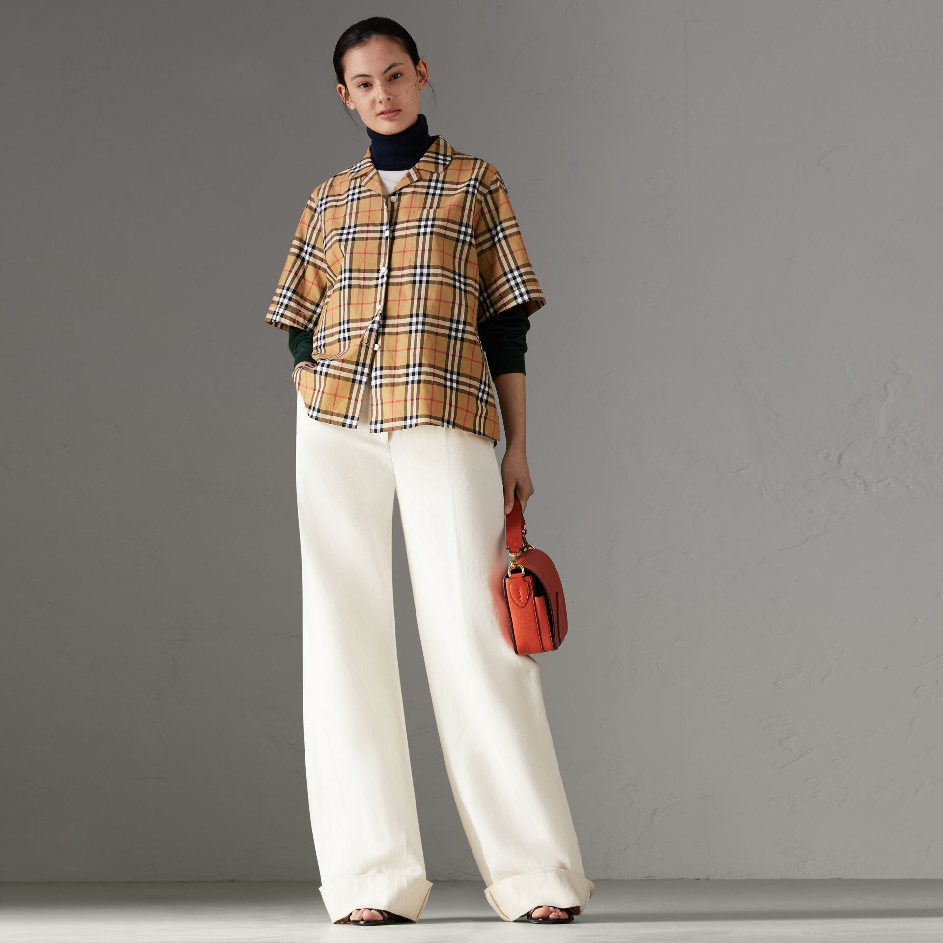 Short-sleeve Vintage Check Shirt in Antique Yellow - Women | Burberry Hong Kong - gallery image 0