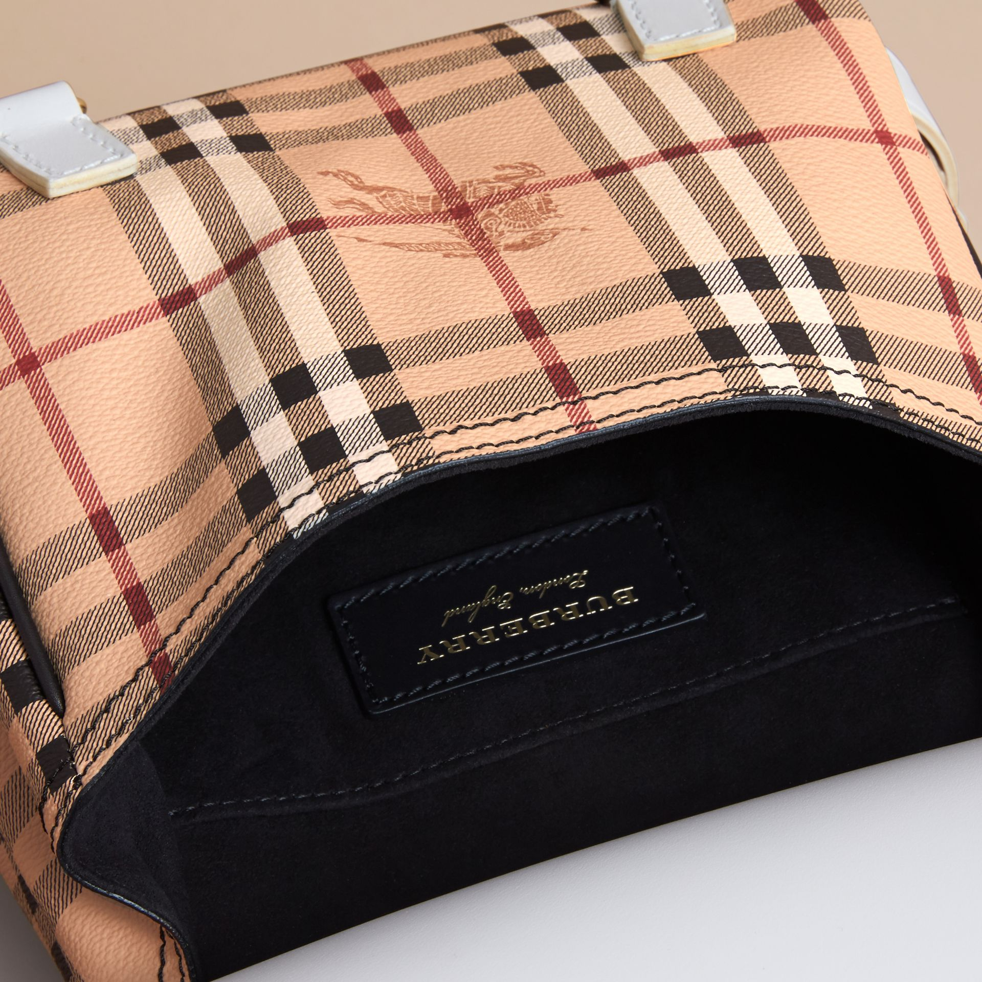 Sac The Bridle en cuir et tissu Haymarket check (Naturel) - Femme | Burberry - photo de la galerie 5