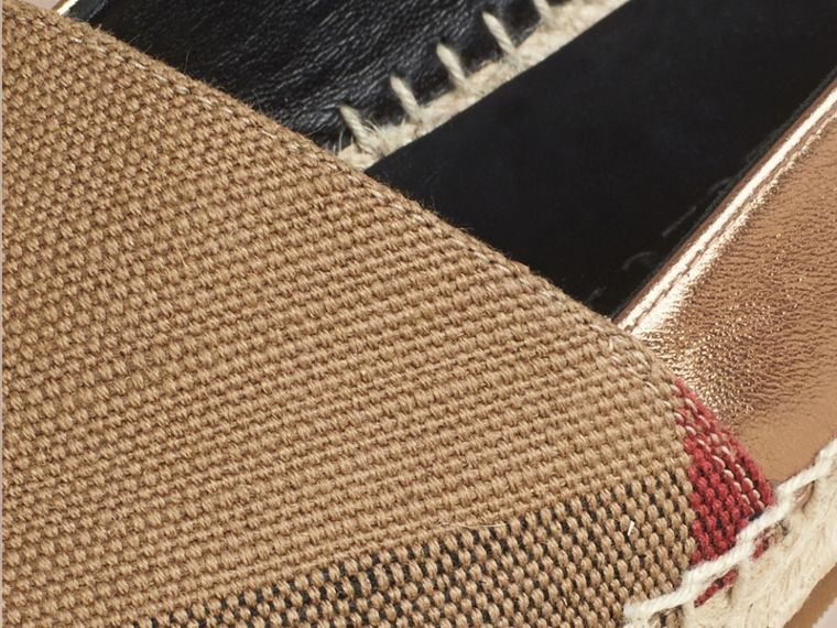 Dorado tradicional Esparteñas de checks en piel, yute y algodón - cell image 1