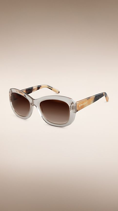 Clear horn Trench Collection Round Frame Sunglasses - Image 1