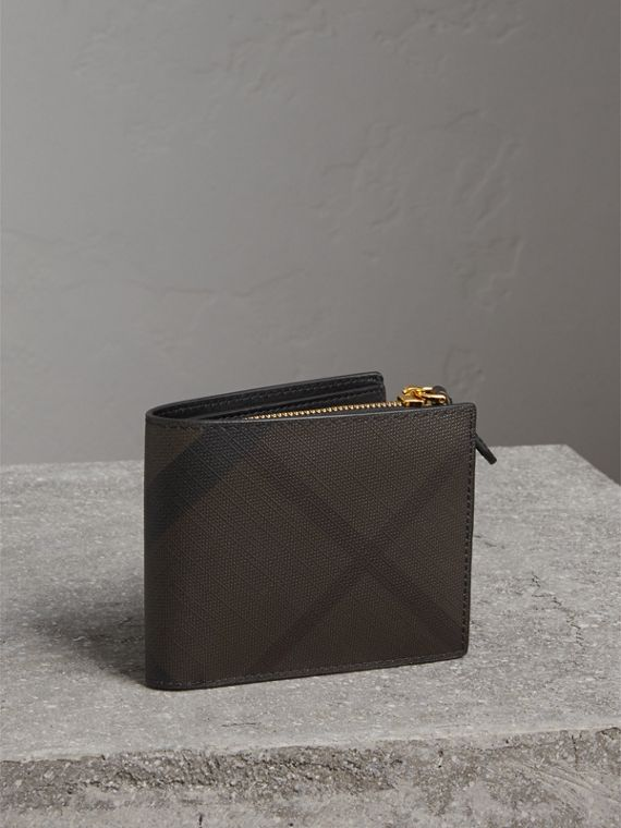 London Check International Bifold ID Coin Wallet in Chocolate/black - Men | Burberry Canada