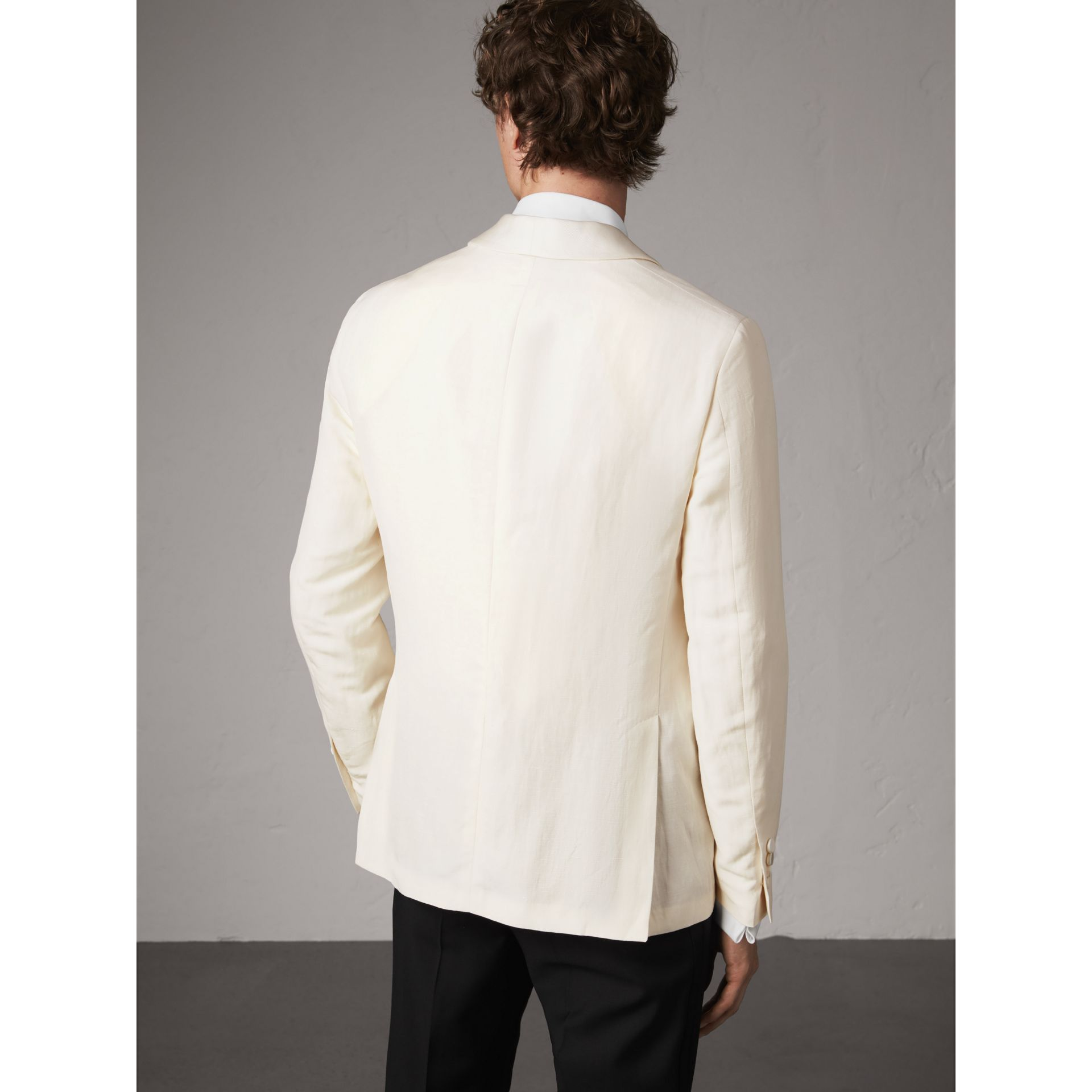 Modern Fit Shawl Lapel Linen Silk Evening Jacket in Off White - Men | Burberry United Kingdom - gallery image 3