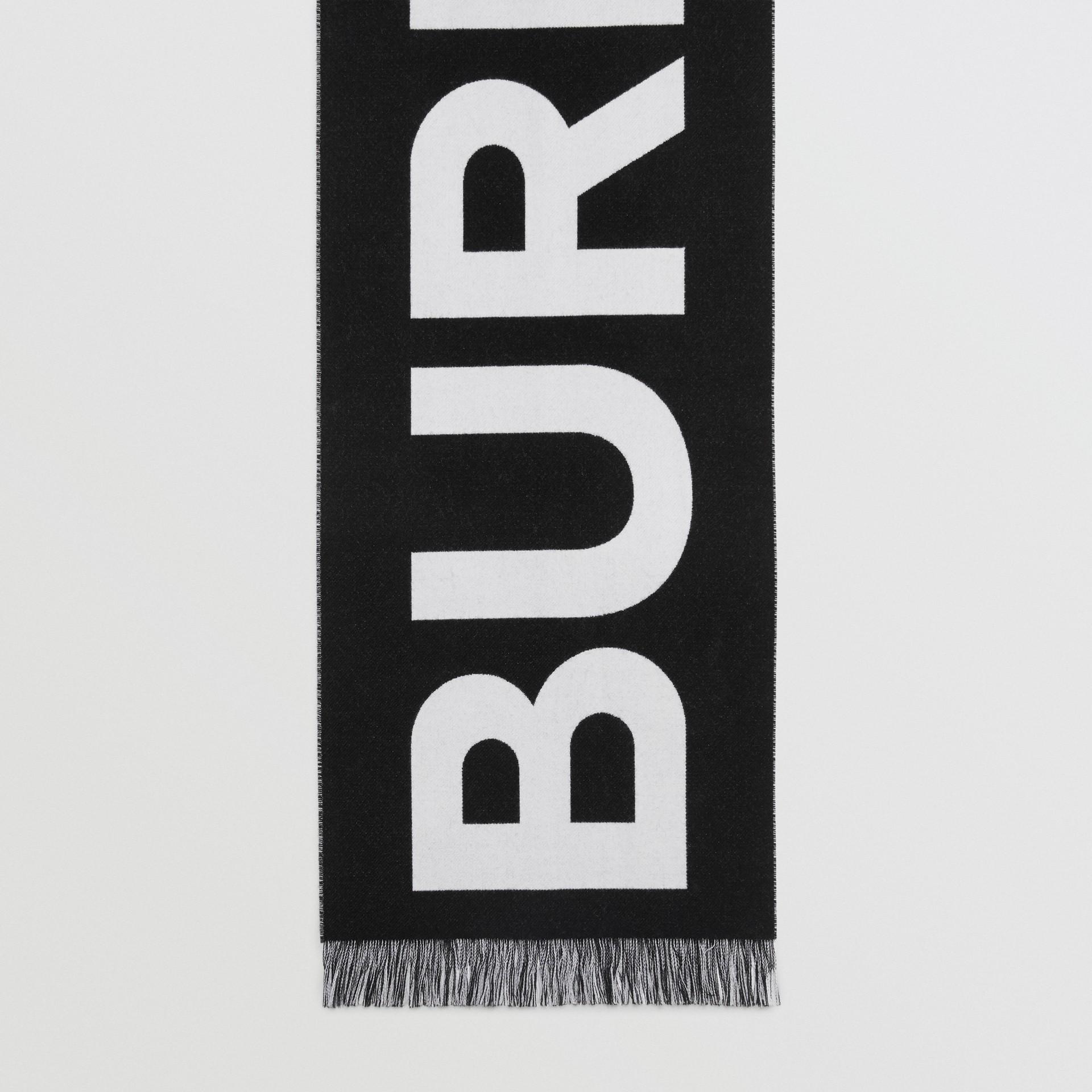 Cachecol em lã com logotipo (Preto/branco) | Burberry - galeria de imagens 4