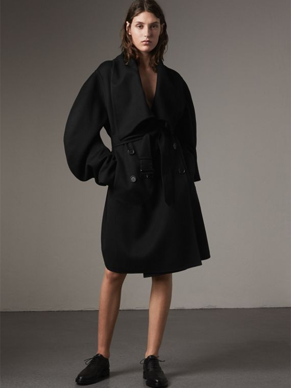 Double-faced Wool Cashmere Sculptural Coat in Black