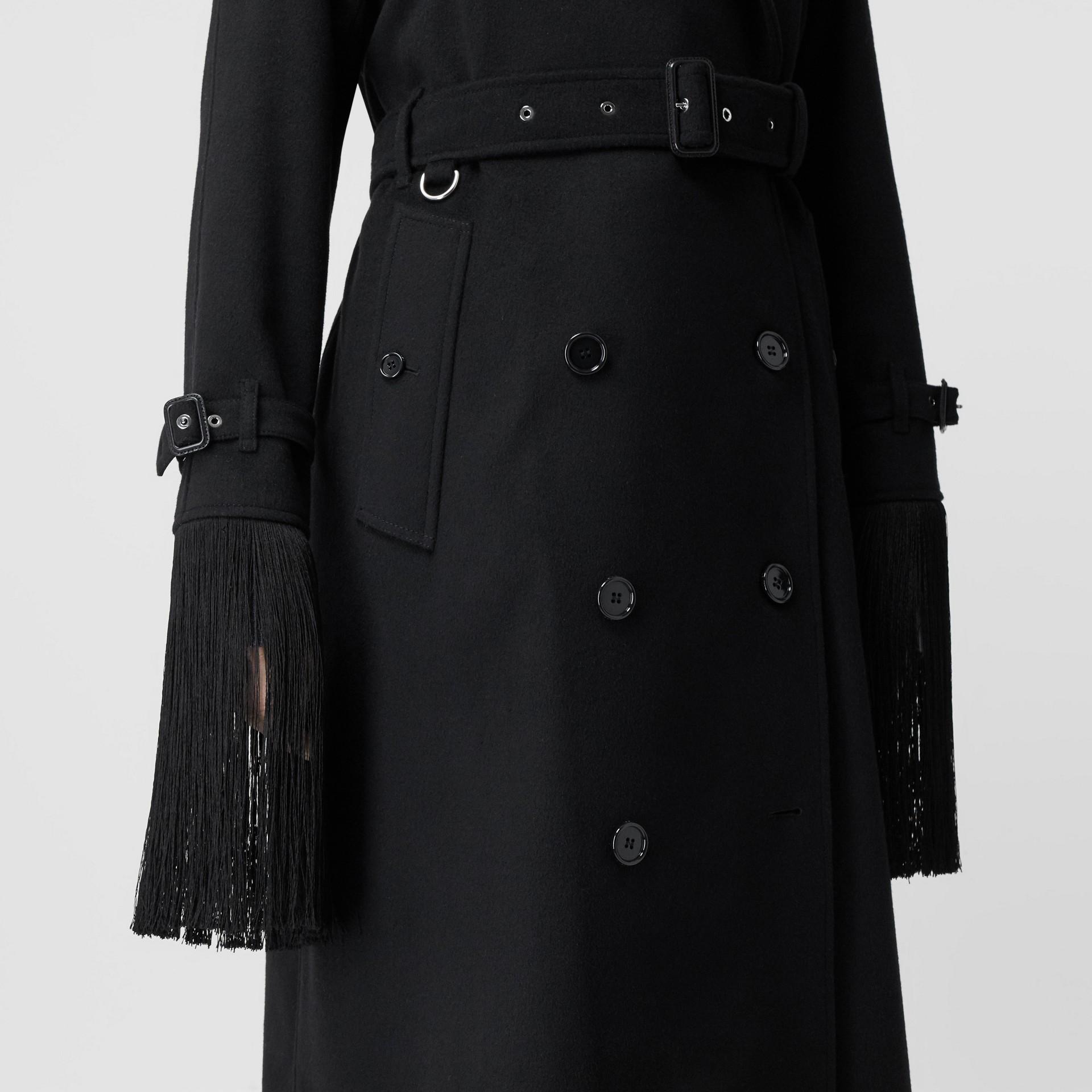 Тренч из шерсти и кашемира с бахромой (Черный) - Для женщин | Burberry - изображение 5