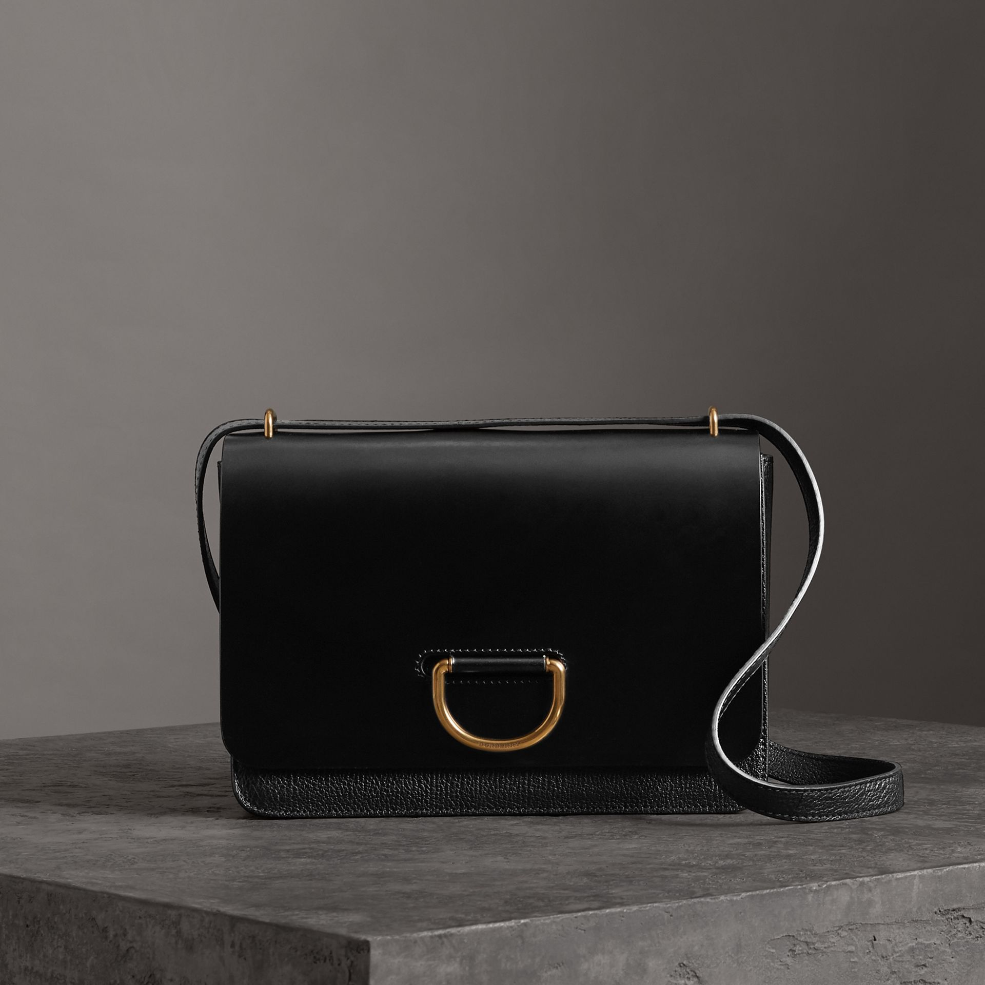 The Medium Leather D-ring Bag in Black - Women | Burberry United States - gallery image 0