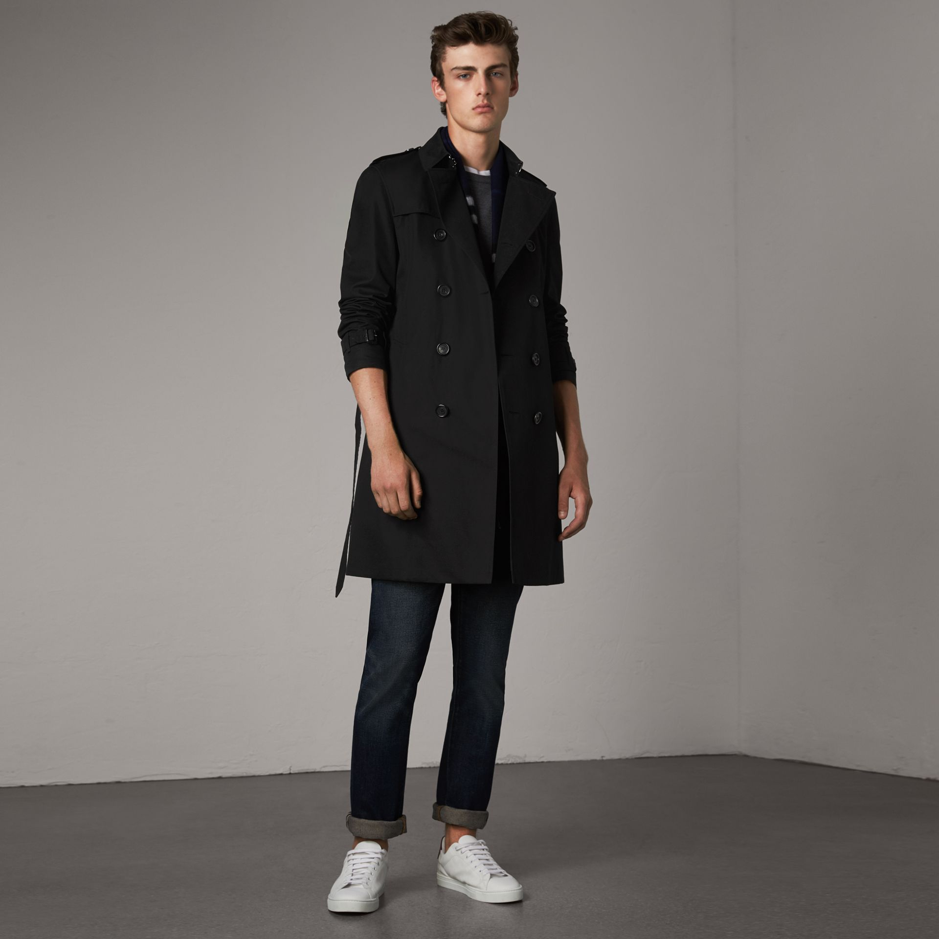 The Chelsea – Long Trench Coat in Black - Men | Burberry - gallery image 0