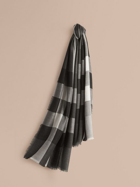 The Lightweight Cashmere Scarf in Check Mid Grey