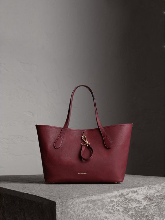 Medium Grainy Leather Tote Bag in Mahogany Red