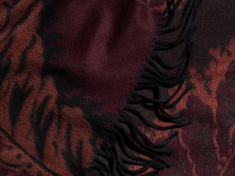 Garnet pink Poncho de cashmere com estampa de folhas em trama jacquard Garnet Pink - cell image 1