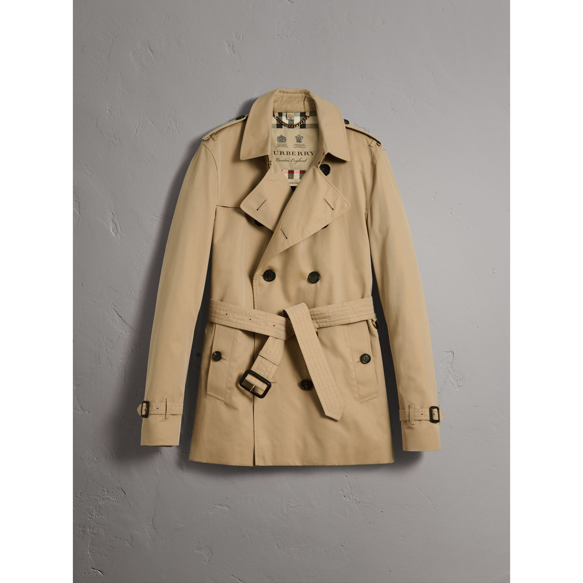 The Kensington – Short Trench Coat in Honey - Men | Burberry United Kingdom - gallery image 3