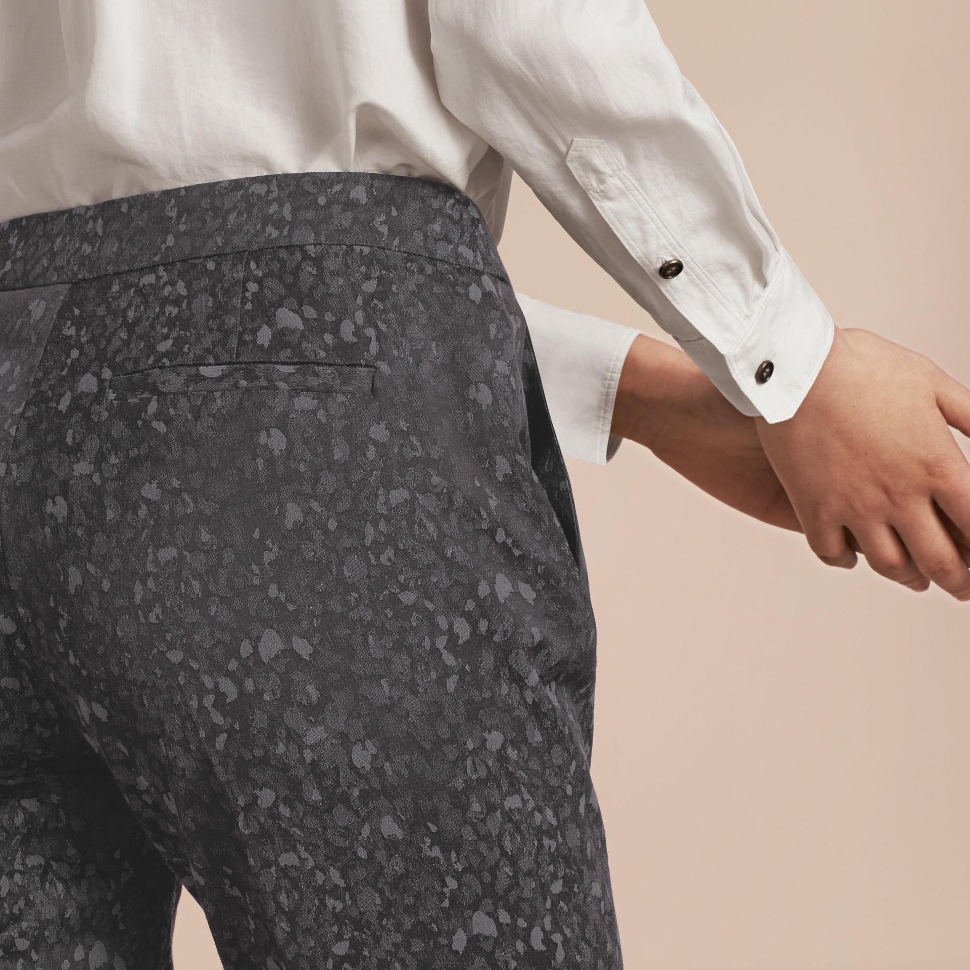 Gris oscuro Pantalones de pitillo en jacquard de mezcla de algodón - imagen de la galería 5