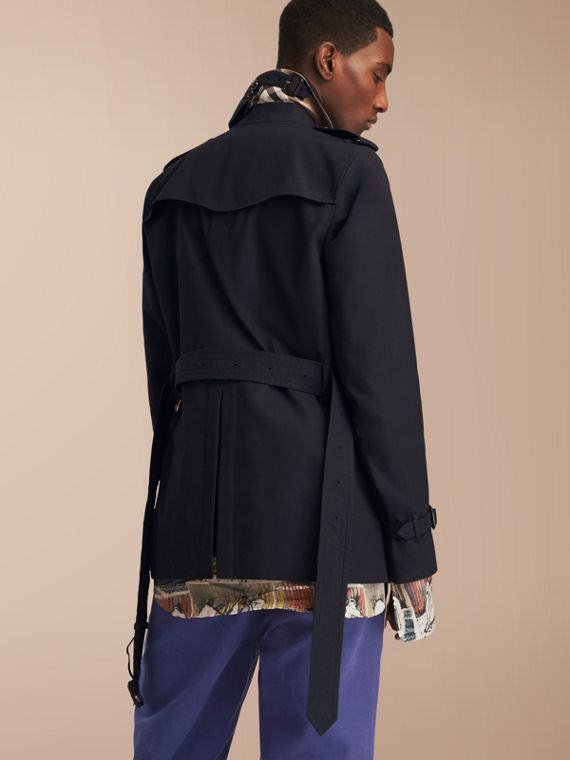 The Sandringham – Short Heritage Trench Coat in Navy - Men | Burberry - cell image 2