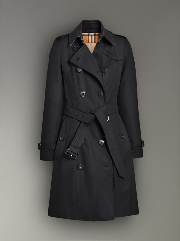 The Chelsea Heritage Trench Coat in Midnight - Women | Burberry United Kingdom - cell image 3