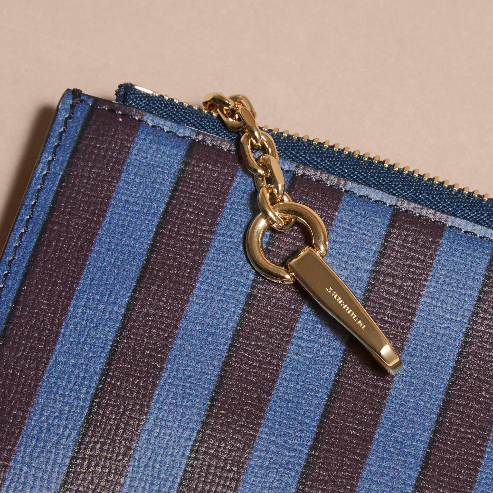 Brieftasche aus London-Leder mit Pyjamastreifenmuster und Reißverschluss - Galerie-Bild 2