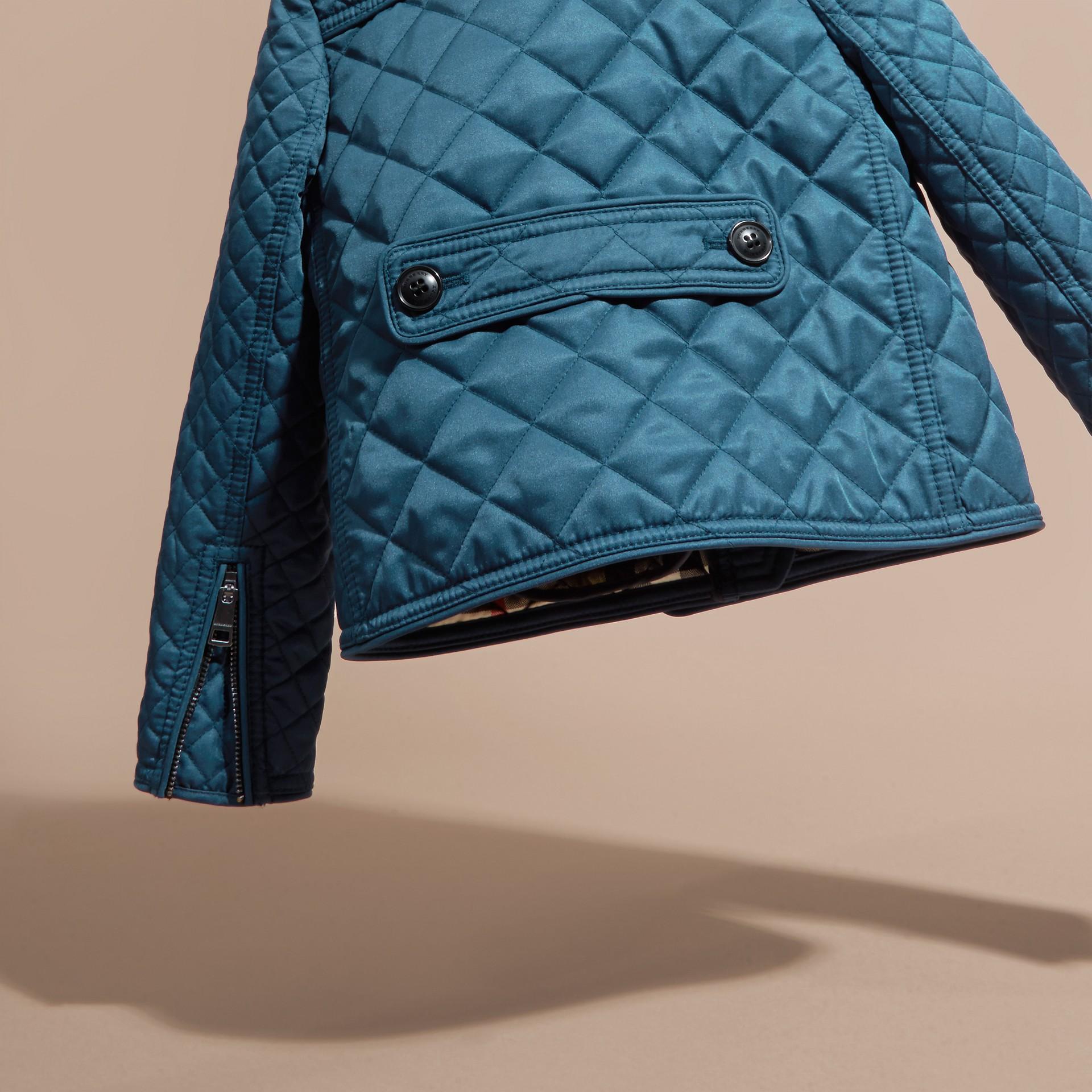 淡靛青 無領菱形絎縫外套 淡靛青 - 圖庫照片 4