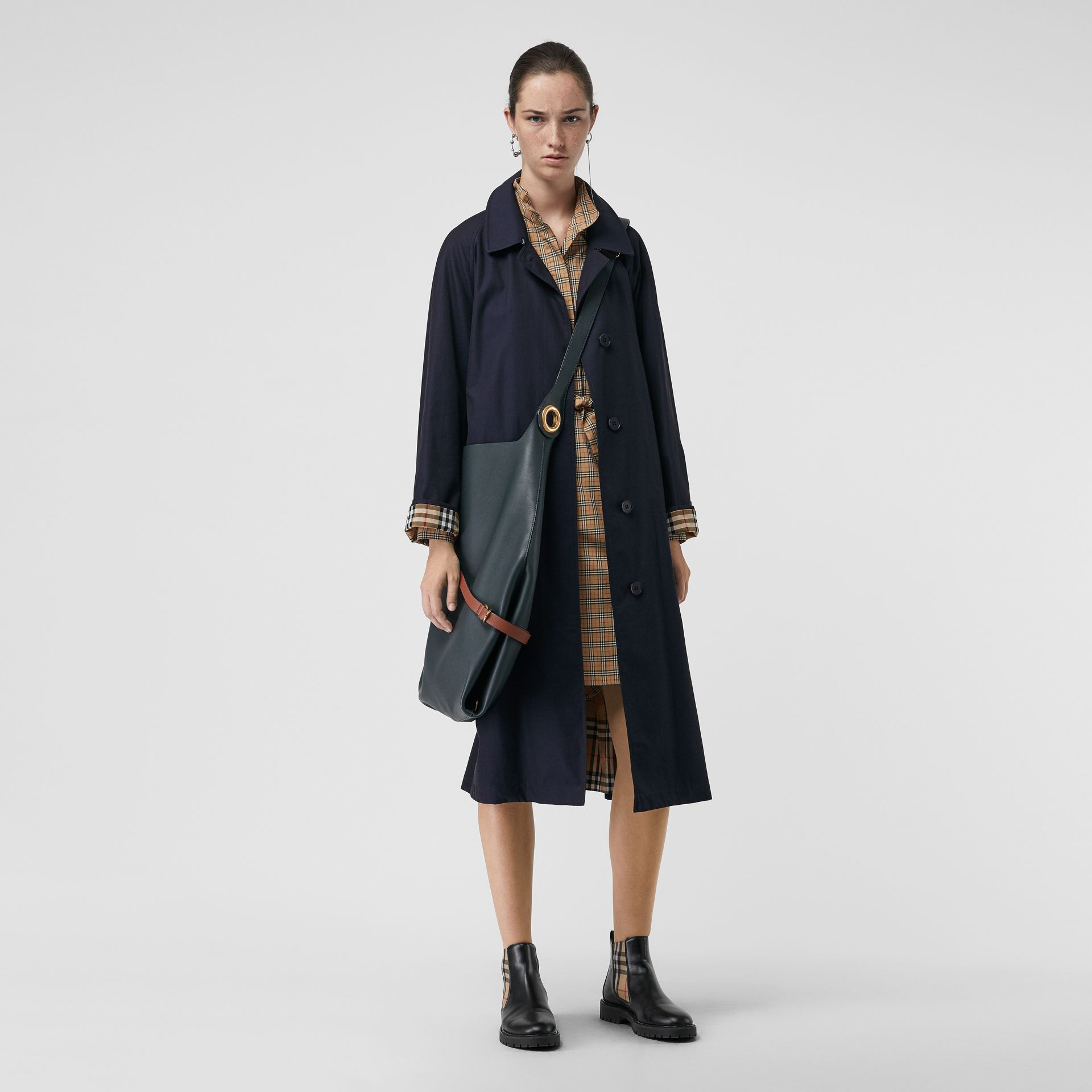 The Brighton Car Coat (Blu Carbonio) - Donna | Burberry - immagine della galleria 0