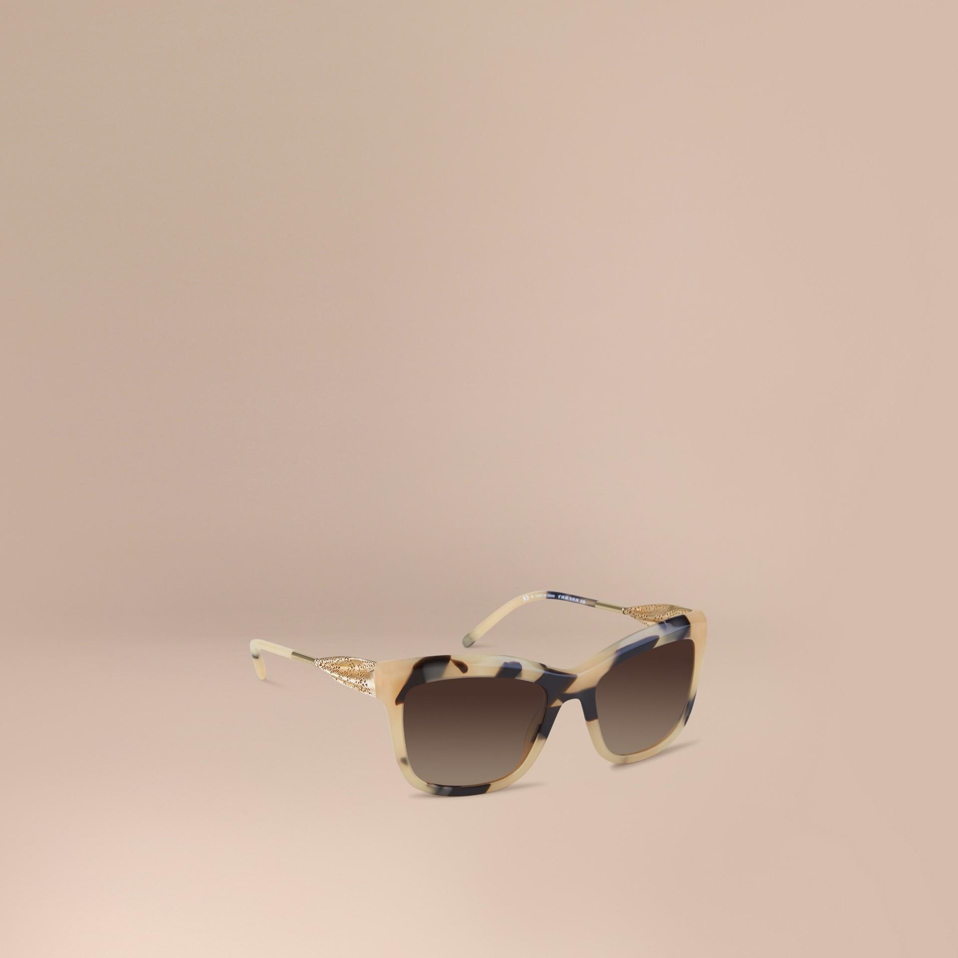 Corne demi-teinte Lunettes de soleil à monture carrée – Collection Dentelle de gabardine Corne Demi-teinte - photo de la galerie 1