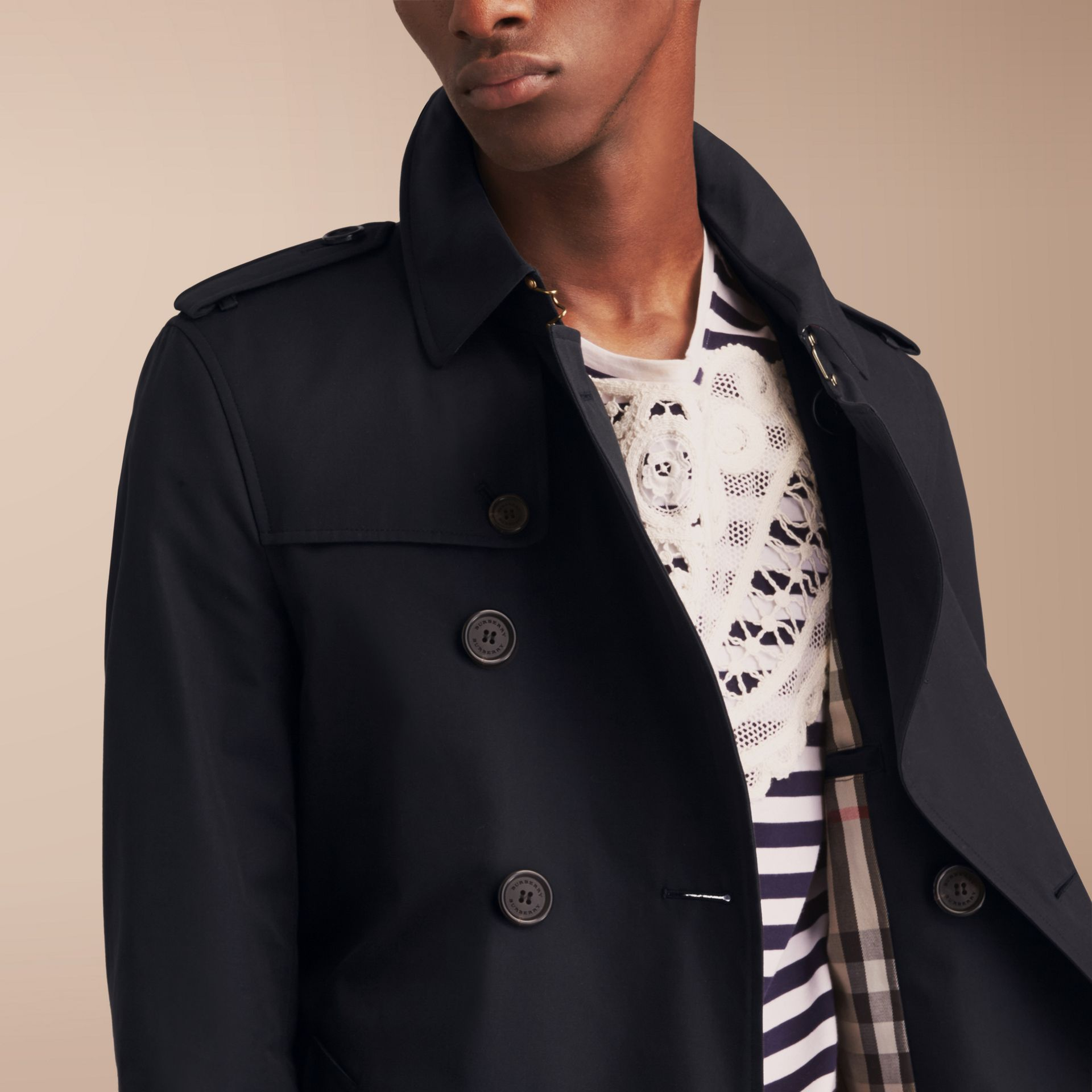 The Chelsea – Short Heritage Trench Coat in Navy - gallery image 7