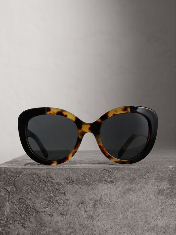 Round Frame Sunglasses in Black - Women | Burberry United States - cell image 3