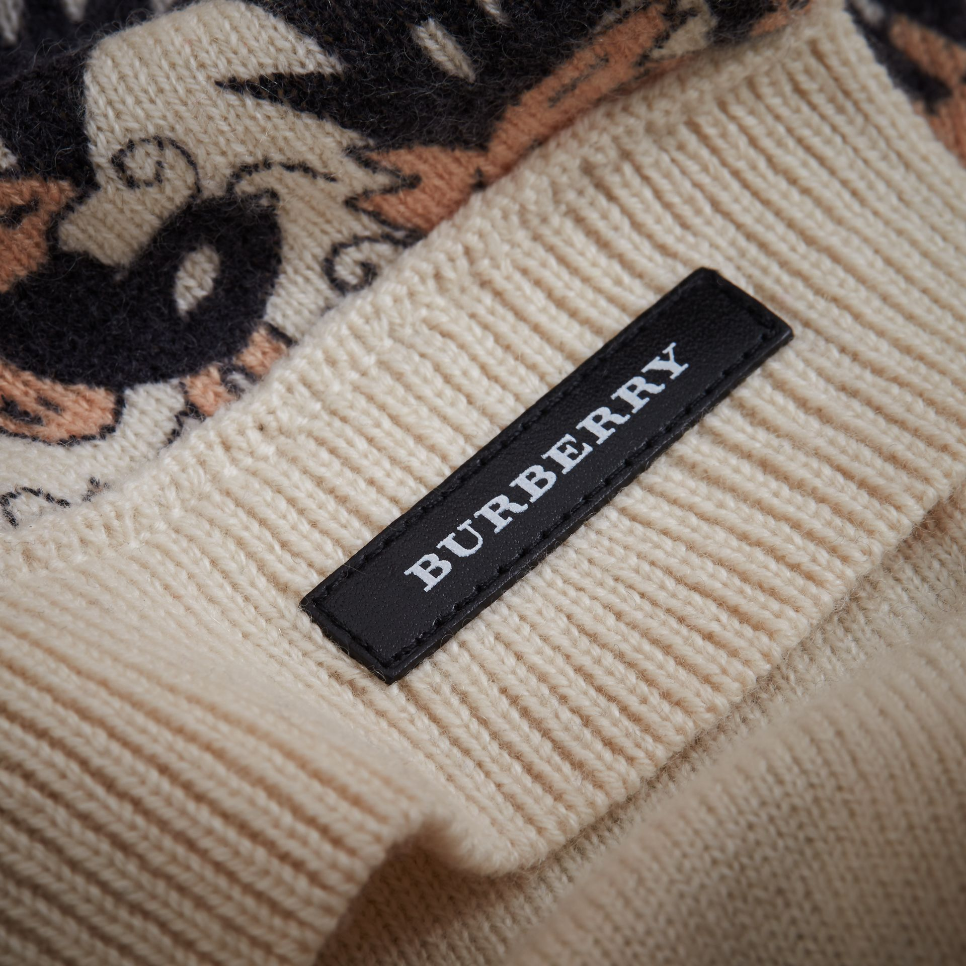 Beasts Print Cashmere and Fox Fur Two-piece Gift Set | Burberry Singapore - gallery image 2