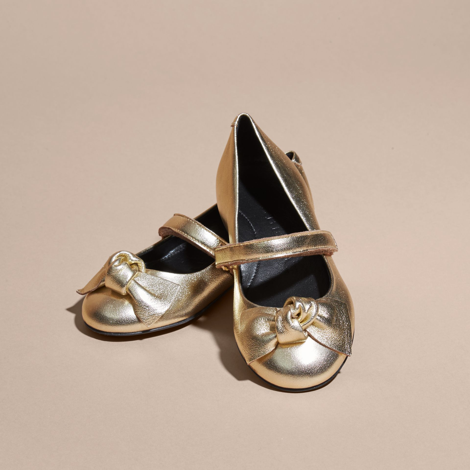 Bow Detail Metallic Leather Ballerinas Platinum - gallery image 3