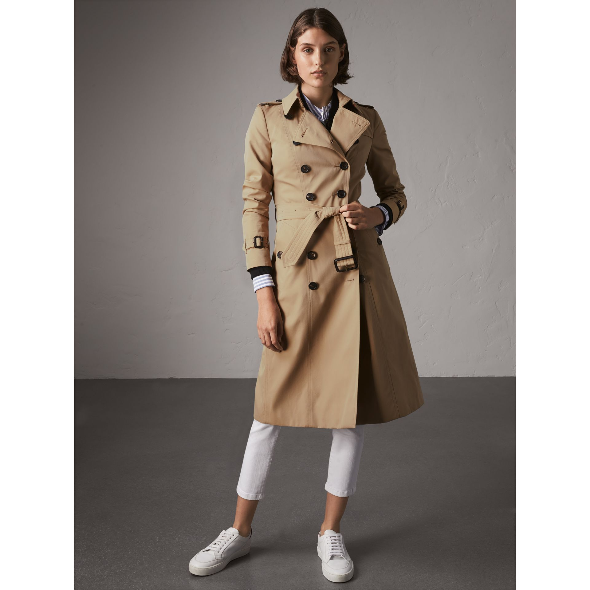 The Chelsea – Extra-long Trench Coat in Honey - Women | Burberry Canada - gallery image 7