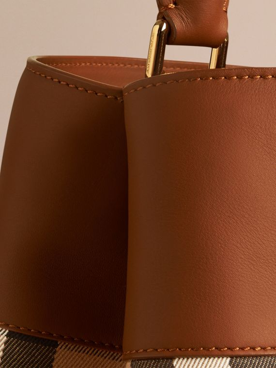 Light toffee The Bucket Bag in House Check and Leather Light Toffee - cell image 3