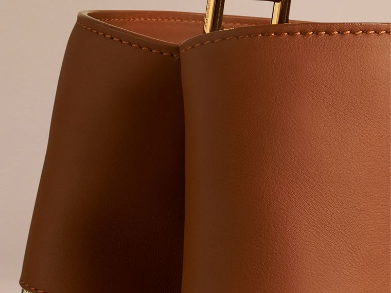 Light toffee The Bucket Bag in House Check and Leather Light Toffee - cell image 4