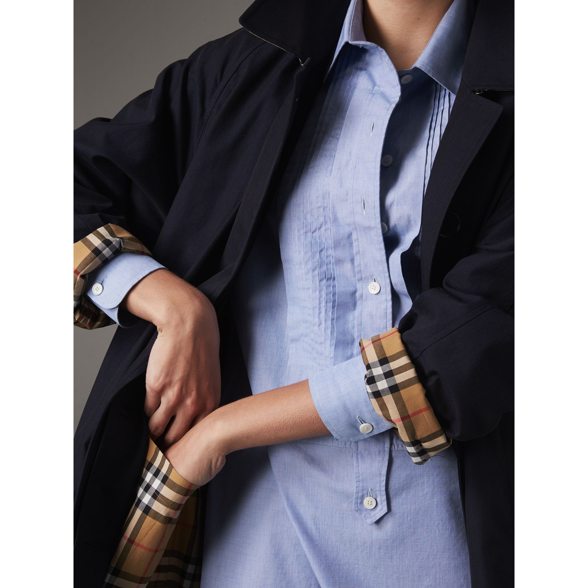 The Camden Car Coat in Blue Carbon - Women | Burberry Singapore - gallery image 5